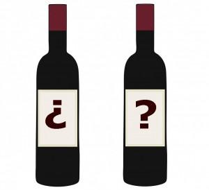 Etiquetas en las botellas de vino