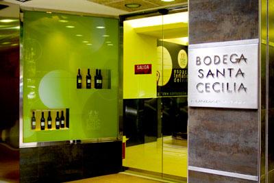 Bodega Santa Cecilia: tienda de vinos, licores, gourmet
